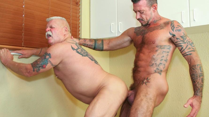 hung daddy gay porn